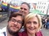 Rainbow Walk Flensburg IDAHOT 2017 © Oberbürgermeisterin Simone Lange ((Foto: v.l. Nicolas Jähring, Oberbürgermeisterin Simone Lange; Mitte : Danny Clausen-Holm))