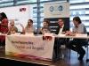 Podium: Frank Bauer, Arnulf Sensenbrenner (beide Landesvorstan LSVD NRW), Jenny Renner, Helmut Metzner (beide LSVD-Bundesvorstand) und Klaus Jetz (LSVD-Geschäftsführer) - Foto: Caro Kadatz