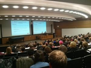 Hartmut Rus bei der NoCompact-Gegenkonferenz an der Leipziger Uni