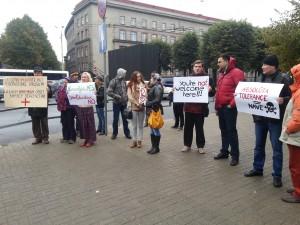 Homo- und transphober Protest bei der ILGA-Konferenz in Riga (c) LSVD