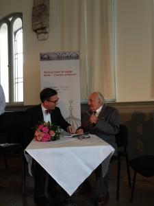 Wolfgang Lauinger im Gespräch mit LSVD-Bundesvorstand Helmut Metzner