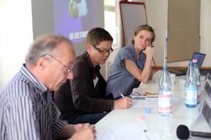 Dr. Jobst Paul (DISS), Moderatorin Uta Schwenke (LSVD-Bundesvorstand) und Katrin gottschalk (Missy Mag) (c) LSVD / Kadatz