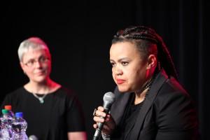 Dawn Cavanagh im Gespräch mit Karin Heisecke (c) LSVD / Kadatz