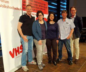 Guiod Schäfer (Hirschfeld-Eddy-Stiftung), Stefanie Schmidt (LSVD-Bundesvorstand), Homaira Mansury (Fachbereichsleiterin Politische Bildung der Volkshochschule Köln), Klaus Jetz (LSVD-Geschäftsführer) und Axel Hochrein (LSVD-Bundesvorstand)