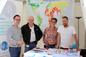 Stand der Hirschfeld-Eddy-Stiftung beim Stadtfest in Berlin - Foto: Caro Kadatz