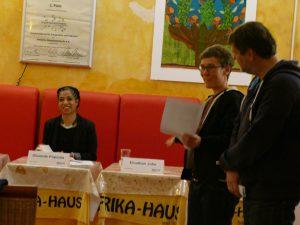 Olumide Popoola, Sarah Kohrt, Klaus Jetz im Afrika-Haus, Foto: Afrika-Haus
