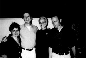 Halina Bendkowski, Charles Kaiser, Stormé de Larverie und der Berliner Rechtsanwalt Dirk Siegfried- erleichtert nach den Einreiseschwierigkeiten zum 25. Berliner CSD, 2003 (c) privat