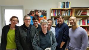 Abschied in der Geschäftsstelle mit Sandra Ramolla, Gabriela Lünsmann, Stefanie Pawlak, Elke Jansen, Juliane Steinbrecher, Klaus Jetz und Ahmed Elpelasy (v.l.) (c) LSVD